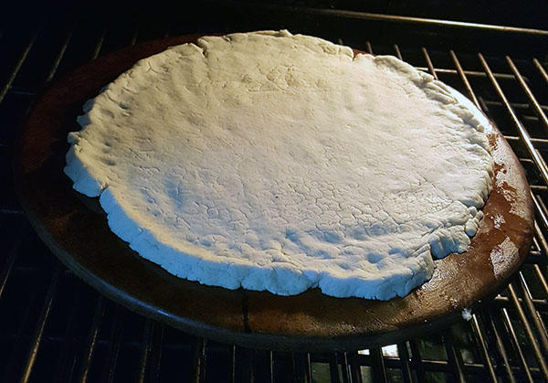 gluten-free-pizza-in-oven