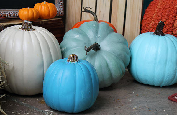 teal-pumpkin-display