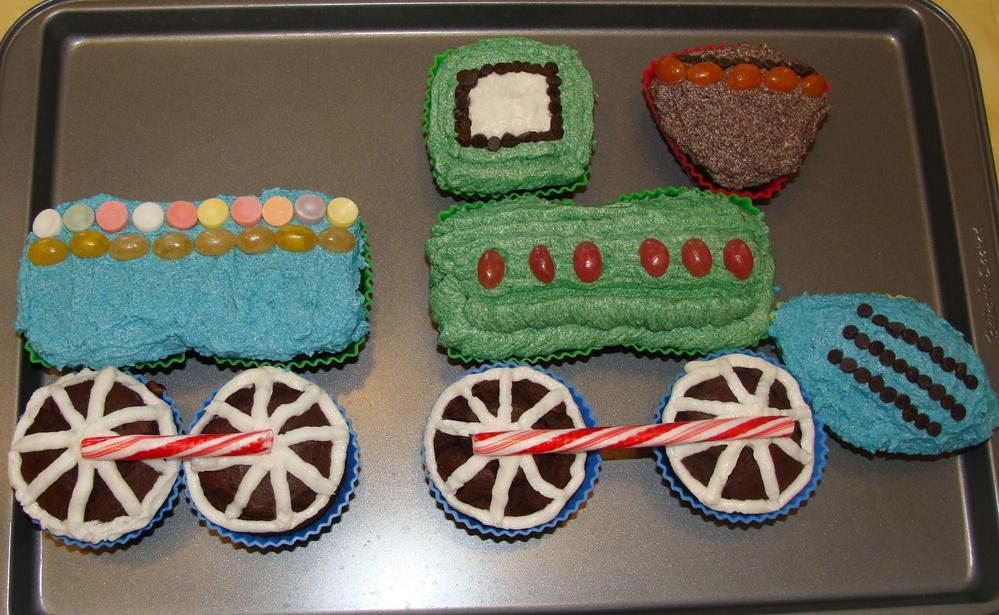 Train cupcake/cake free of dairy, eggs, wheat, peanuts and tree nuts