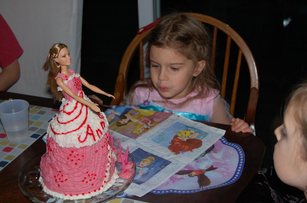 Doll cake....almost like the bakery.
