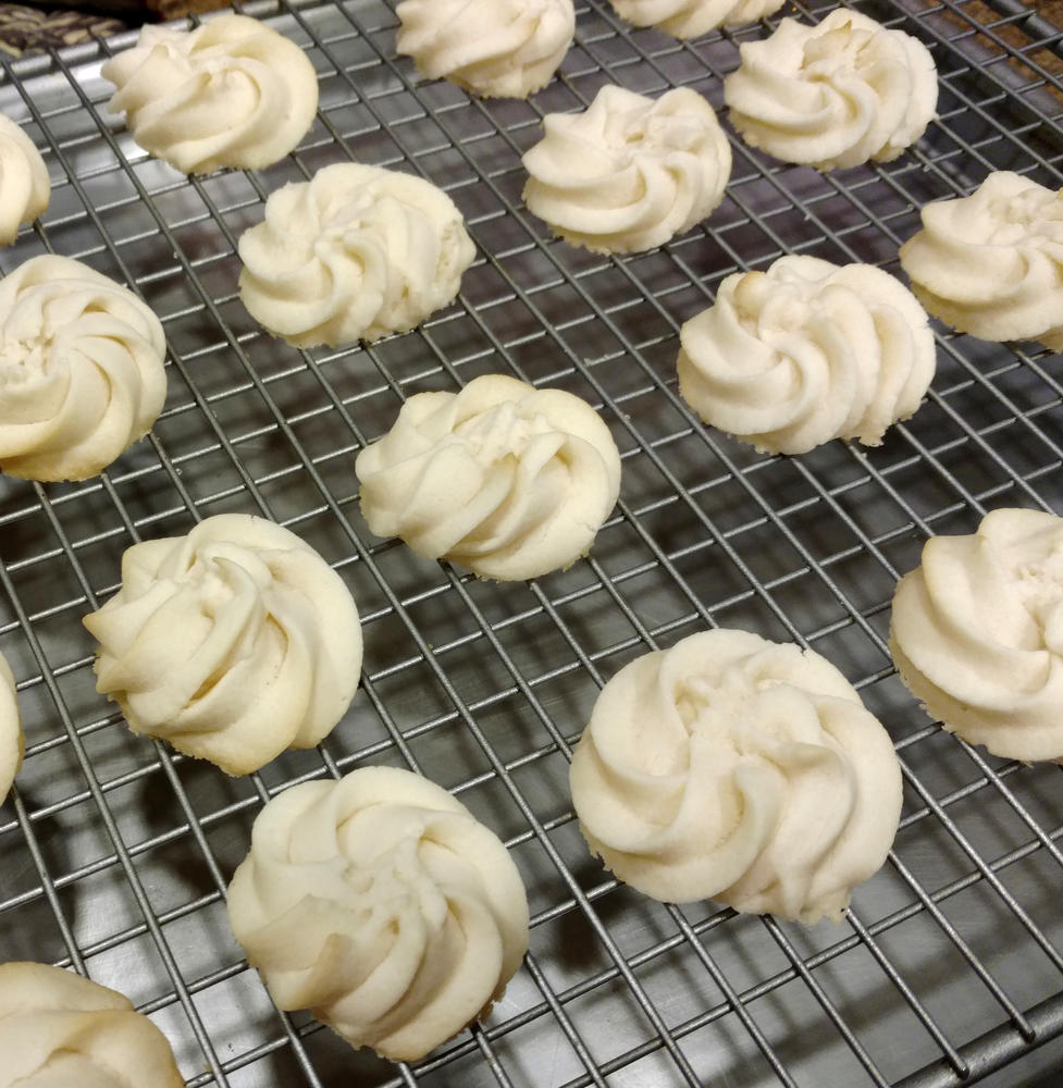 "Dairy-Free ""Cream Cheese"" Spritz Cookie Rosettes"