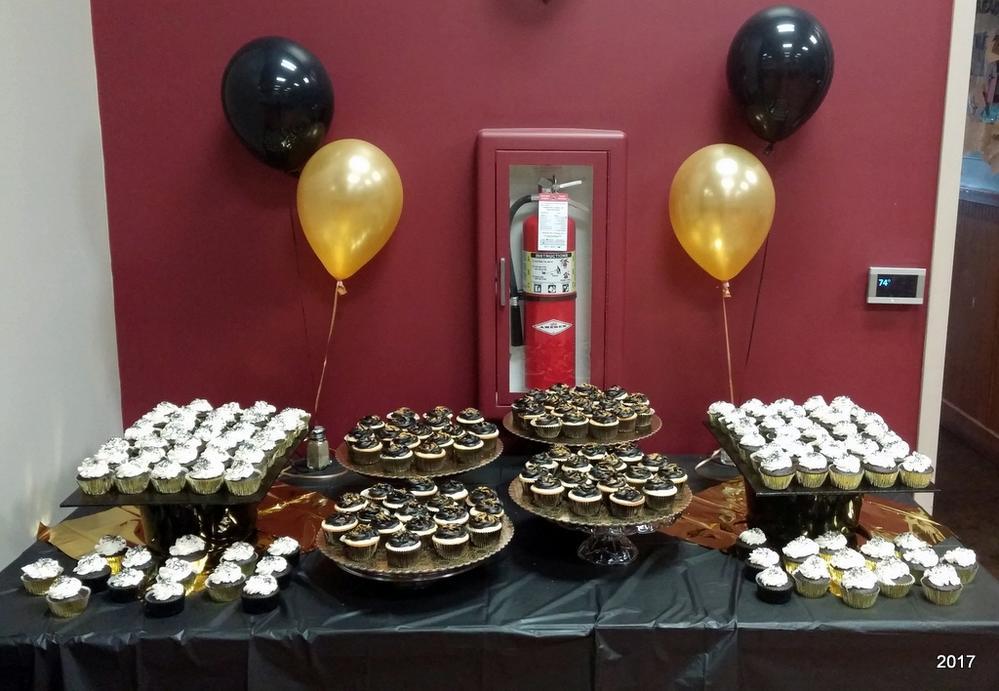 Team banquet cupcakes
