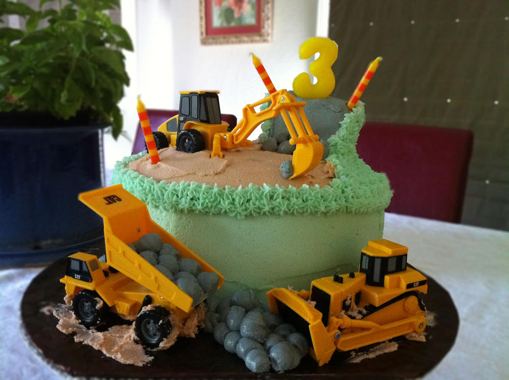 Incredible Construction Birthday Cake Free Of Eggs Dairy Peanuts And Tree Funny Birthday Cards Online Eattedamsfinfo
