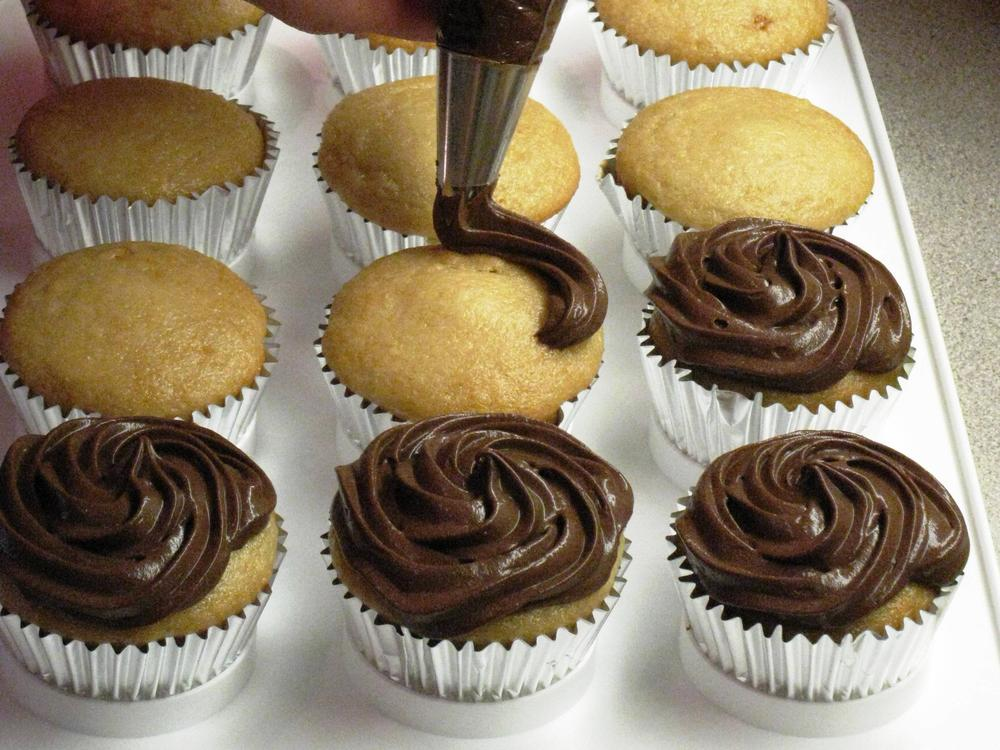 ganache frosting whipped frosting cool whipped frosting whipped ...